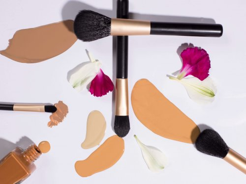 brush foundation flat lay